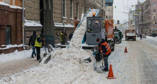 С дорог Харькова вывезено 82 тысячи кубометров снега