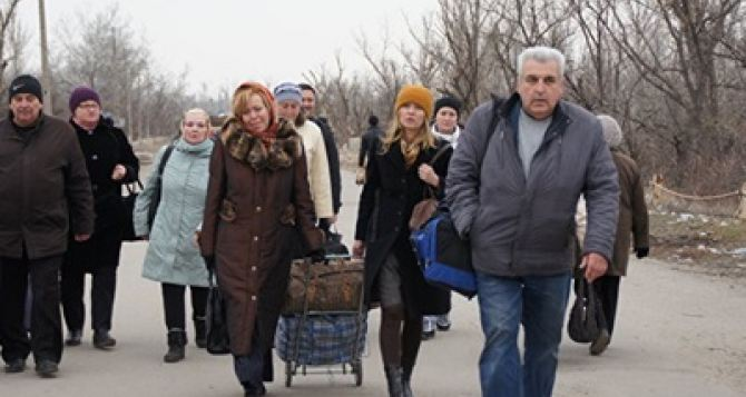 В Луганске к пяти пленным украинцам пустили родных