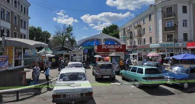 На Центральном рынке Луганска строят крытый павильон на месте сгоревшего магазина
