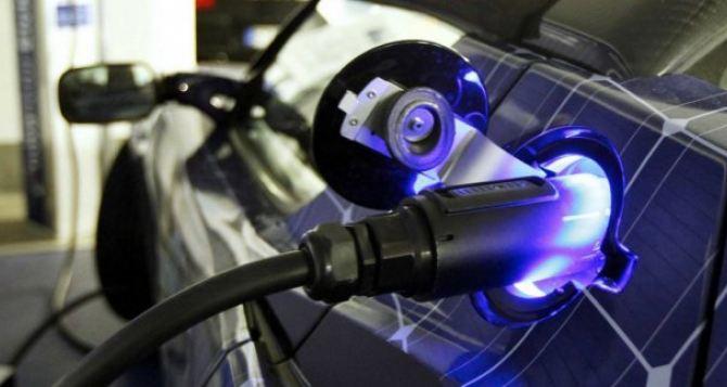 В Харькове на парковках установят бесплатные зарядки для электромобилей