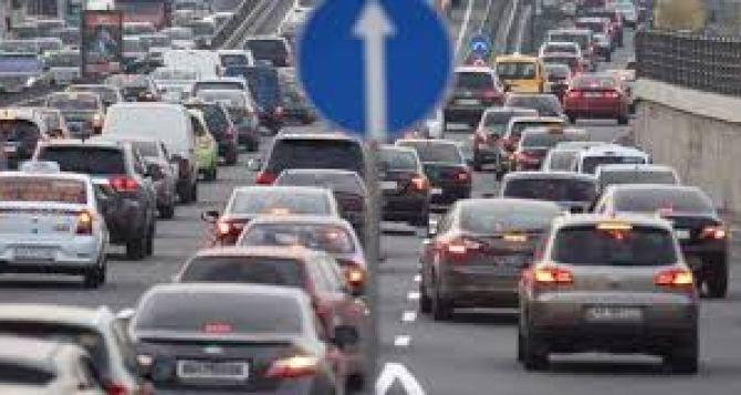 В городах Украины хотят уменьшить разрешенную скорость на дорогах до 50 км/ч