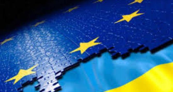 Более трети украинцев считают совсем неважным безвиз сЕС. —Опрос