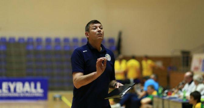 Главного тренера сборной Украины отправили в отставку из-за интервью сына в Луганске