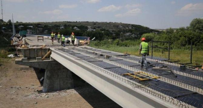 Стало известно, когда отремонтируют мост через реку Айдар (фото)
