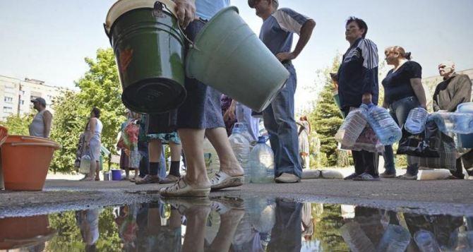 Около 400 тыс. мирных жителей Донбасса были лишены питьевой воды в течение двух дней из-за обстрелов. —УКГВ ООН