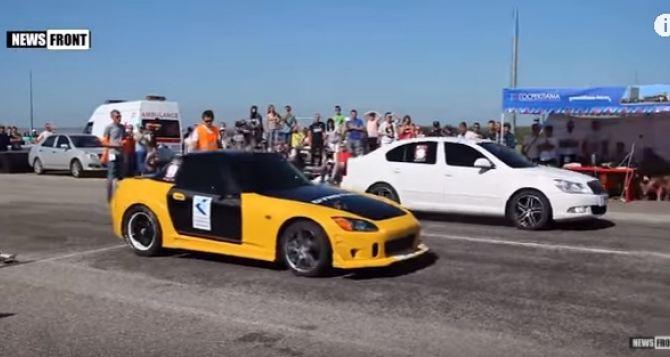 Победители автогонок в Луганске разделили призовые 600 тысяч рублей (фото, видео)