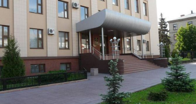 Горсовет Лисичанска просит Порошенко внести изменения в Закон «Об образовании»