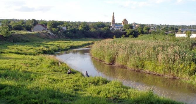 Луганские экологи продолжают устранять заторы на реке Лугань