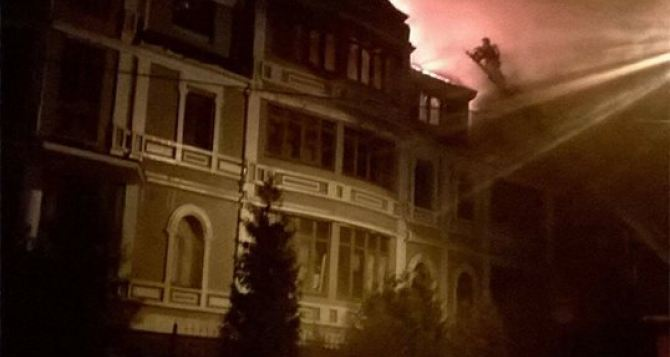 В Киеве сгорело общежитие для переселенцев из Донбасса