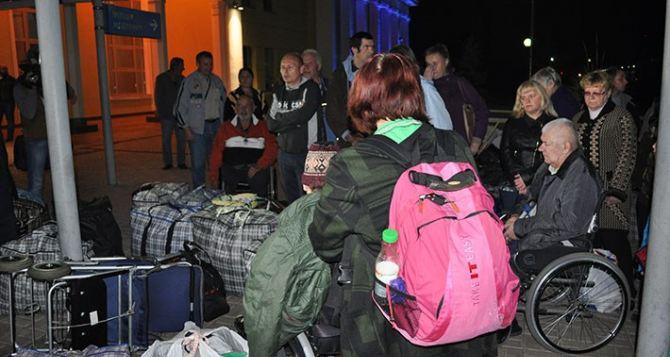 Кабмин разрешил переселенцам с инвалидностью становиться на квартирный учет
