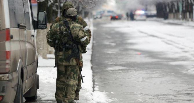 Опубликованы фото вооруженных людей и военной техники на улицах Луганска— ОБСЕ (фото)