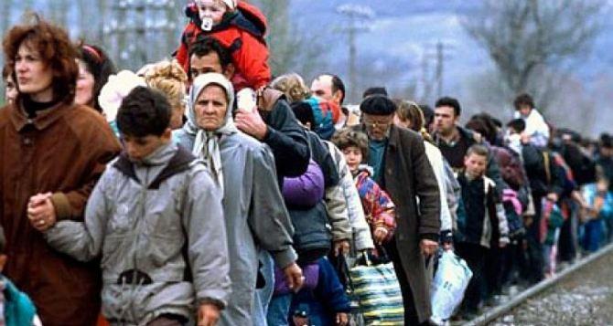 В Украине повысили размер соцвыплат переселенцам