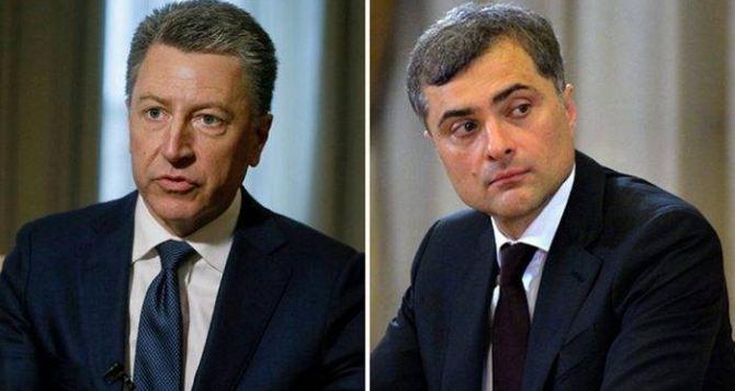 Сурков назвал предложения США по размещению миротворцев в Донбассе реализуемыми