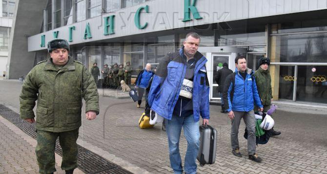 Александр Хуг покатался в поезде Луганск-Ясиноватая (Фото)