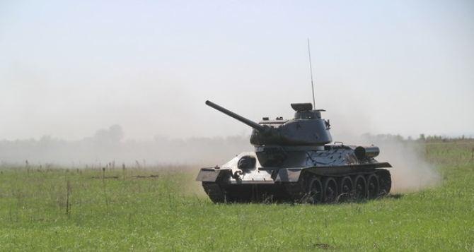 Луганский легендарный танк Т-34 уже на ходу