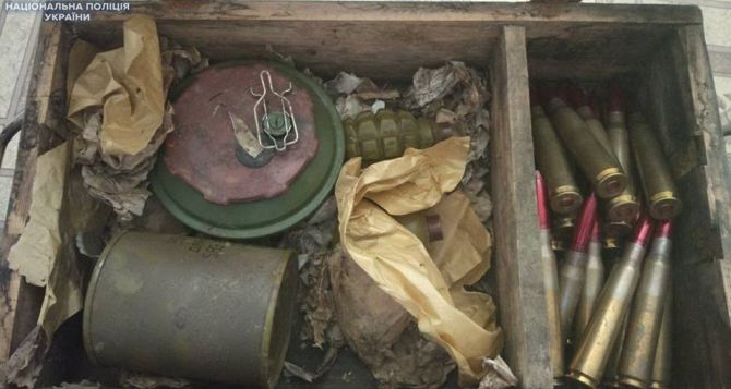 В Луганской области в заброшенном доме нашли боеприпасы (фото)