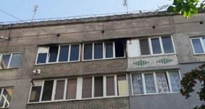 В Брянке 60-летний мужчина спас из огня двух детей, а сам попал в реанимацию