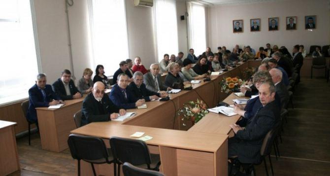 В ЛНР получили ученые звания 149 доцентов и 22 профессора