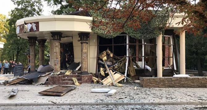 В больнице Донецка говорят о пяти погибших в кафе «Сепар» , среди них один ребенок