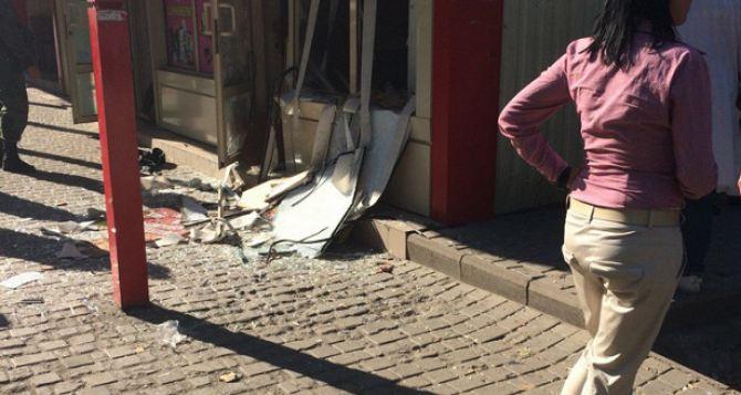 В Донецке прогремел взрыв в торговом павильоне.  ФОТО