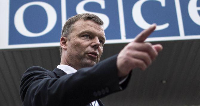 На вопрос «Кто виноват?» ответа нет. Нужно искать ответ на вопрос «Что делать?»,— А. Хуг об установлении мира в Донбассе