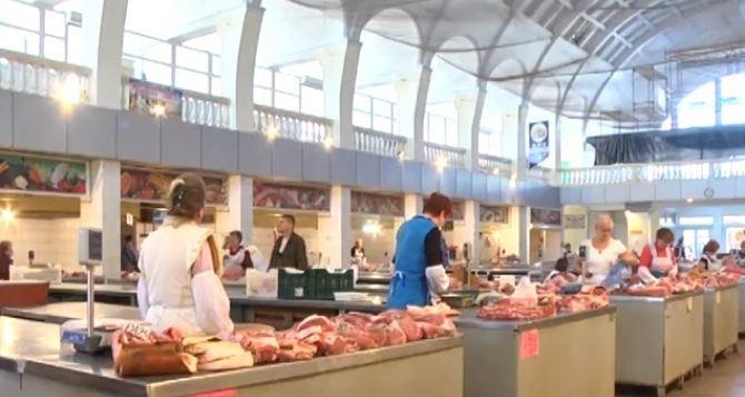 Ветеринары рассказали как выбирать мясо на рынке в ЛНР