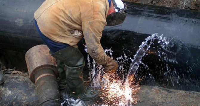 На магистральном водоводе «Алчевск-Петровское» повторный прорыв. Без воды до 11февраля: Петровское, Антрацит, Красный Луч и Перевальск