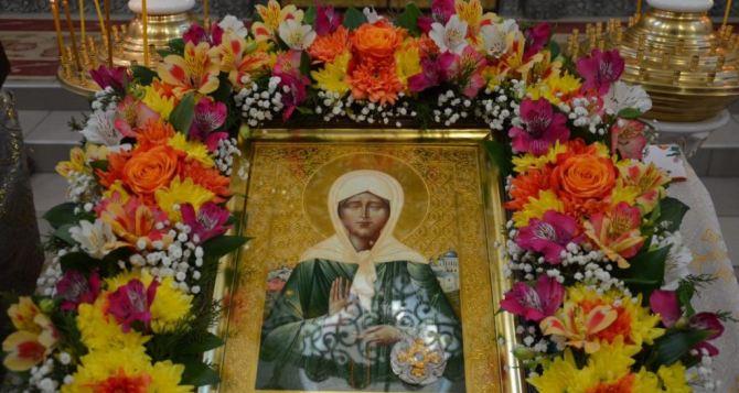 В луганский храм в честь Всех Святых прибыли мощи святой блаженной Матроны Московской