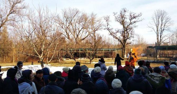 В Луганске продолжают праздновать Масленицу