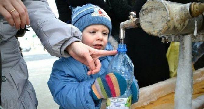 Для детей Луганщины риск погибнуть от болезней из-за загрязненной воды в три раза выше, чем от пули или снаряда