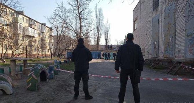 В центре Северодонецка взрыв гранаты. Погиб человек. ФОТО