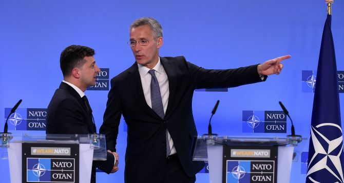 Президент Зеленский заявил, что Украина готова выполнить Минские соглашения