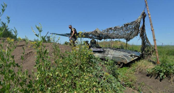 Украинские военные третий день строят новые позиции у Станицы Луганской