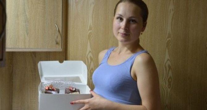 Воспитательница детского садика из Сватово создала конкуренцию Порошенко