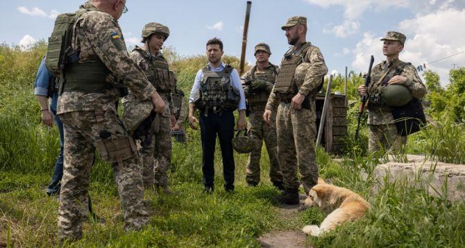 Зеленский планирует закончить войну на Донбассе через год