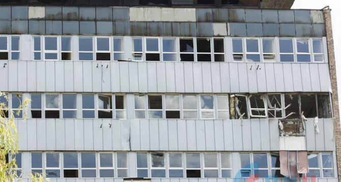 В Луганске взрыв в многоэтажке «Огурец» возле Центрального рынка. ФОТО