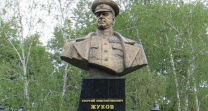 Памятник маршалу Жукову восстановили в Харькове