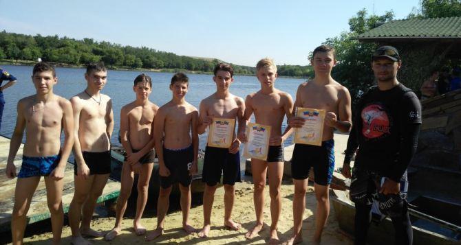 Городские соревнования по триатлону прошли в Антраците