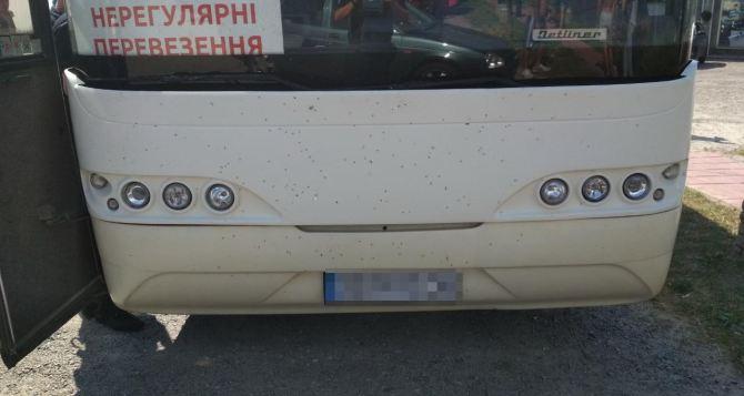 Автобусы с «туристами» спортивной статуры появились в одном из районов Харьковской области