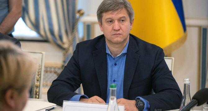 СНБО рассматривает введение санкций за выдачу паспортовРФ на Донбассе