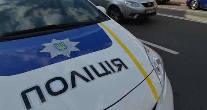 В Харькове полицейские сбили женщину с ребенком на переходе