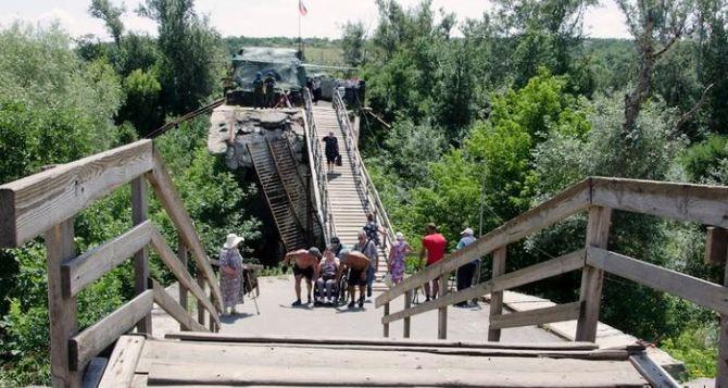 Ремонт моста в Станице Луганской пока не возможен,— СЦКК