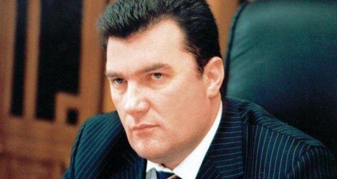 Донбасс вверили «малиновому пиджаку»