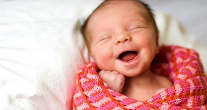 56 детей родились за неделю в Луганске