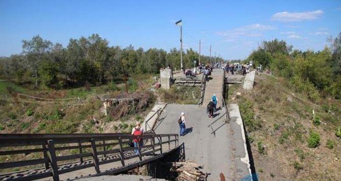 Ситуация на КПВВ сегодня утром. На Станице в сторону Луганска— «полный навес»