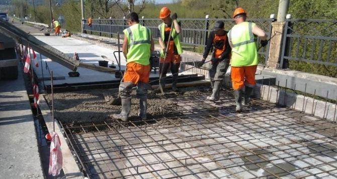 Почему в Луганской области не строятся дороги