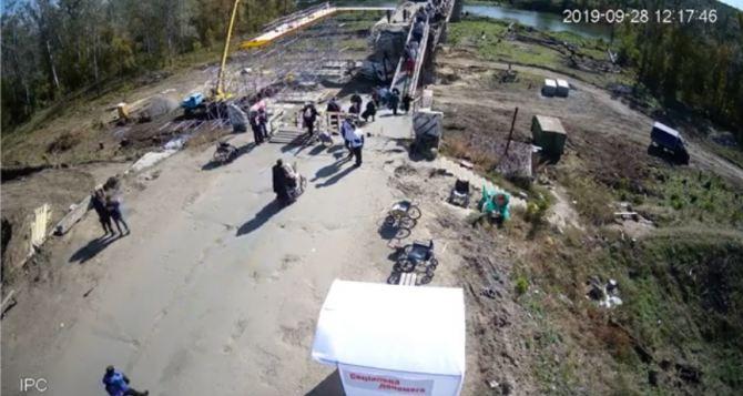Луганчане рассказали, как реально идет строительство моста в Станице