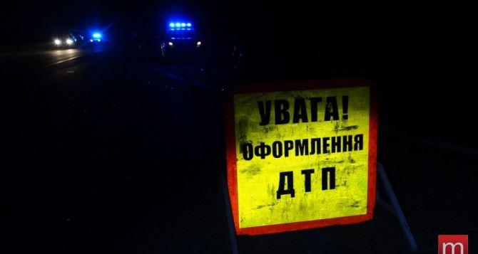 В Луганске под автомобиль попала пожилая пара. Женщина скончалась в реанимации, мужчина в больнице