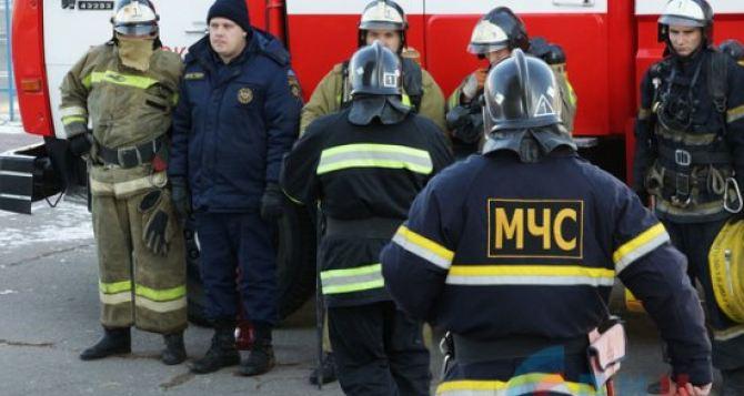 Спасатели проводят воспитательные часы для учеников луганских школы