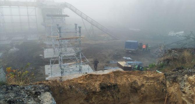 Что сегодня можно было разглядеть на КПВВ «Станица Луганская» сквозь туман. ФОТО